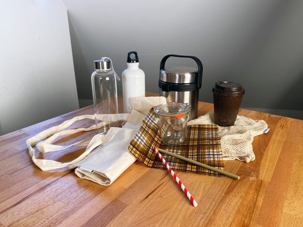Verschiedene alternative Produkte zu Plastik